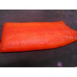 Oursin farci en sabayon: oursin, crevettes, saint jacques, fèves, algues,