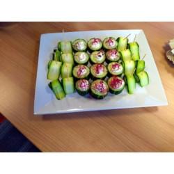 Concombre farci houmous